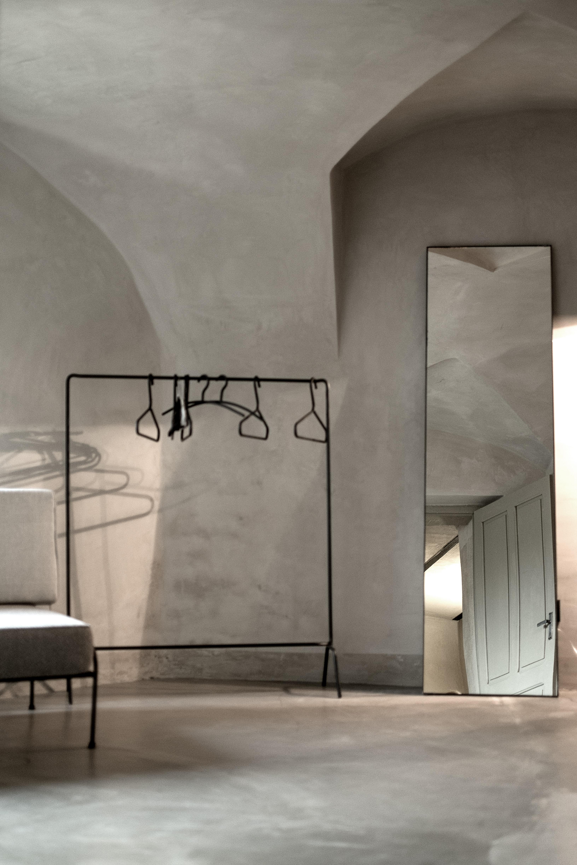 Astonishing Castello Serafina Hauser Weine Piemont Download Free Architecture Designs Jebrpmadebymaigaardcom